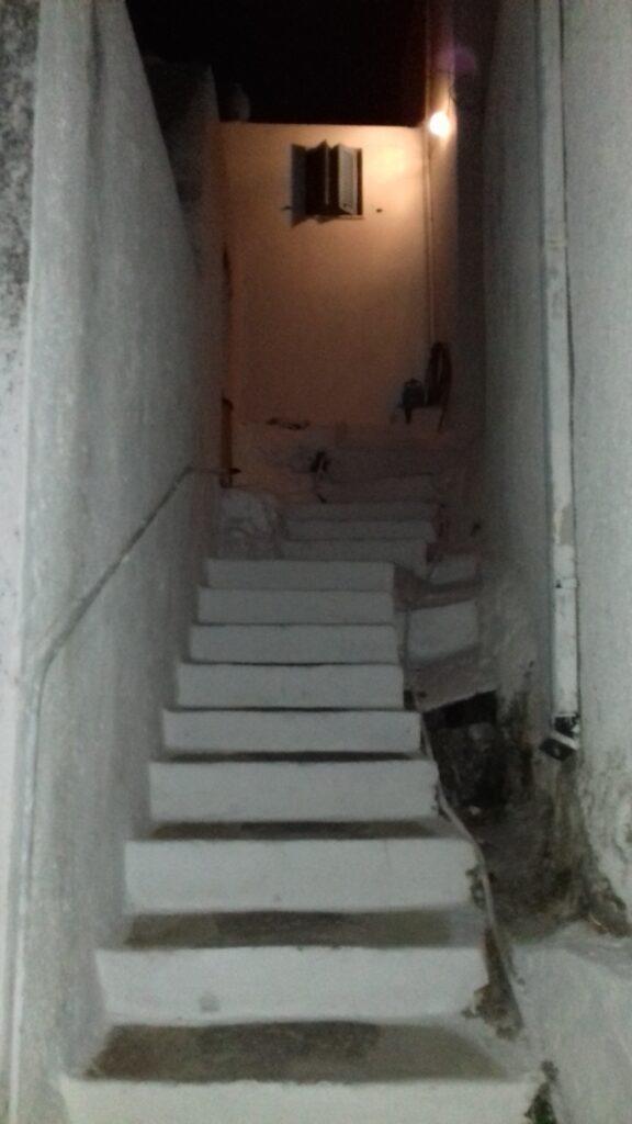 Camping στη Σέριφο: 48 ώρες δίπλα στο κύμα